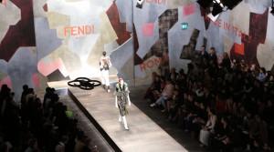 Défilé FENDI filmé avec un drone